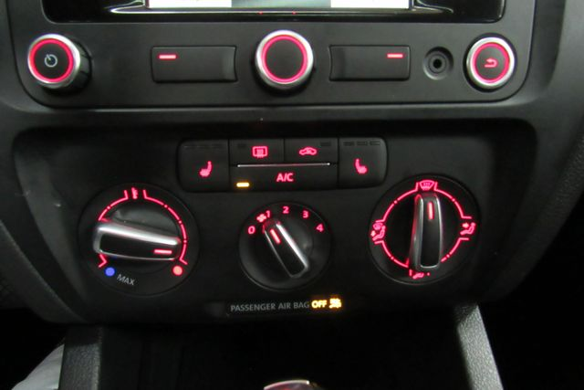 2014 Volkswagen Jetta TDI w/Premium/Nav Chicago, Illinois 30