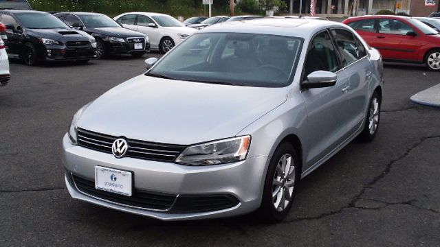 2014 Volkswagen Jetta SE w/Connectivity/Sunroof PZEV