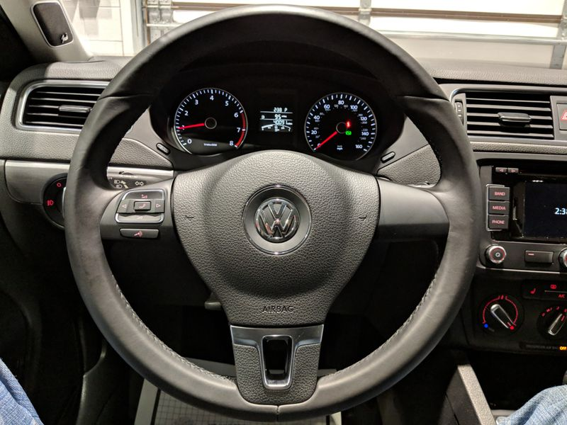 2014 Volkswagen Jetta SEL  Lake Forest IL  Executive Motor Carz  in Lake Forest, IL