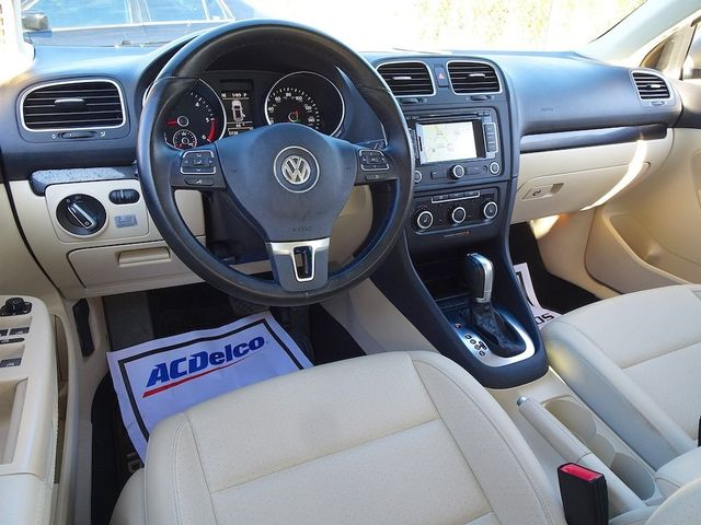 2014 Volkswagen Jetta TDI w/Sunroof & Nav Madison, NC 36