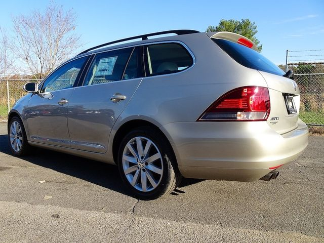 2014 Volkswagen Jetta TDI w/Sunroof & Nav Madison, NC 4