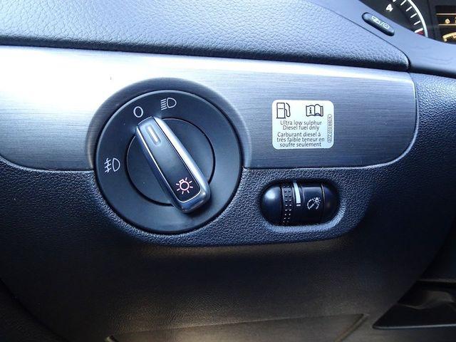 2014 Volkswagen Jetta TDI w/Premium/Nav Madison, NC 17