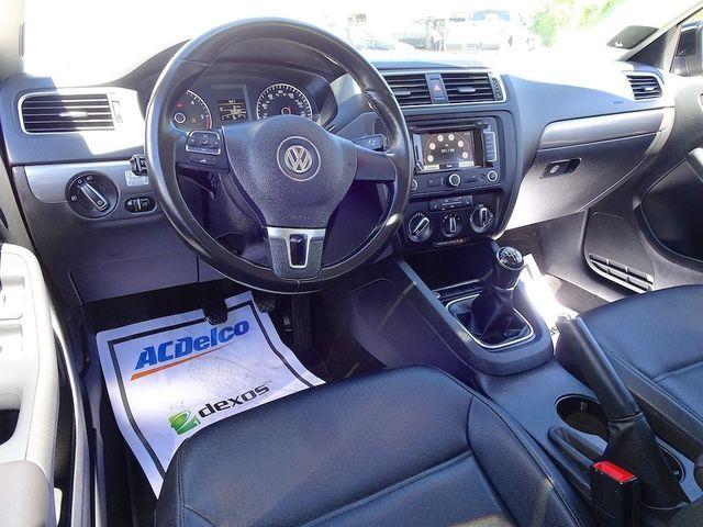 2014 Volkswagen Jetta TDI w/Premium/Nav Madison, NC 35