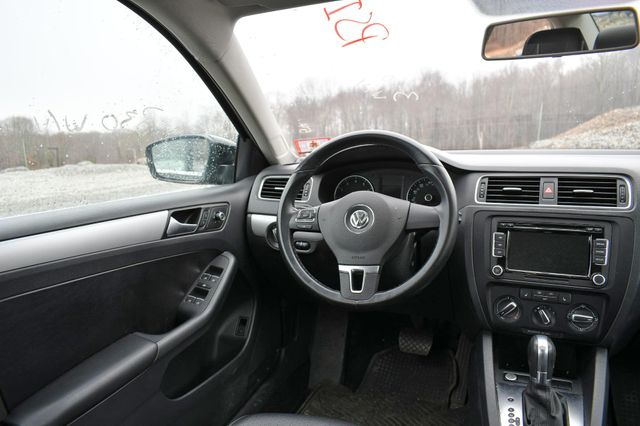 2014 Volkswagen Jetta SE w/Connectivity/Sunroof PZEV Naugatuck, Connecticut 17