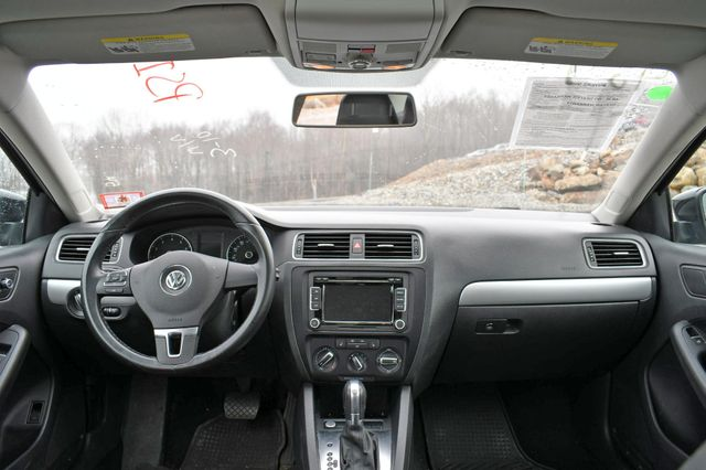 2014 Volkswagen Jetta SE w/Connectivity/Sunroof PZEV Naugatuck, Connecticut 18