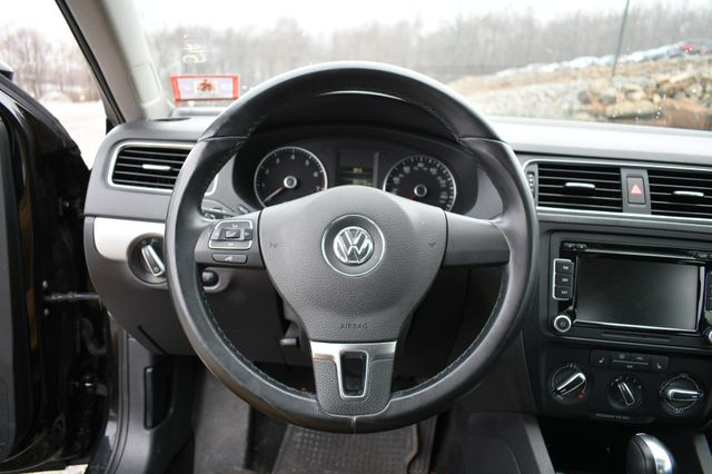 2014 Volkswagen Jetta SE w/Connectivity/Sunroof PZEV Naugatuck, Connecticut 23