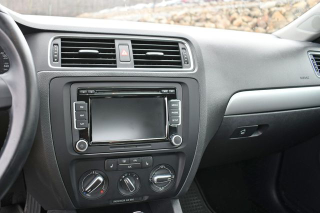 2014 Volkswagen Jetta SE w/Connectivity/Sunroof PZEV Naugatuck, Connecticut 24