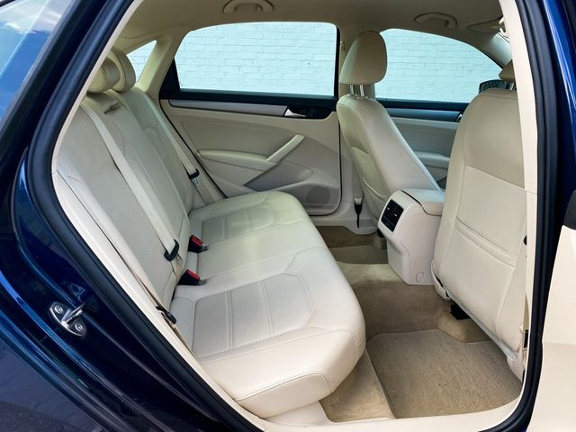 2014 Volkswagen Passat SE Madison, NC 9