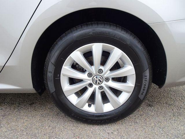 2014 Volkswagen Passat Wolfsburg Ed Madison, NC 10