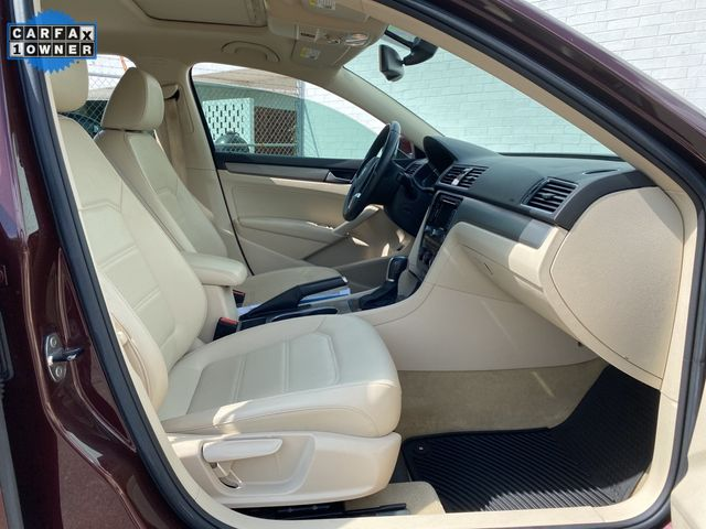 2014 Volkswagen Passat TDI SE w/Sunroof & Nav Madison, NC 11
