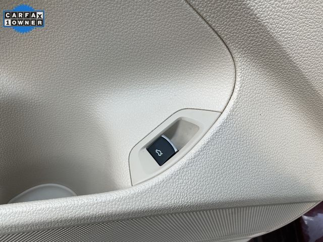 2014 Volkswagen Passat TDI SE w/Sunroof & Nav Madison, NC 24