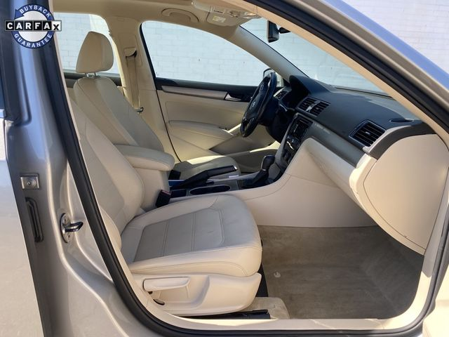 2014 Volkswagen Passat SE w/Sunroof & Nav Madison, NC 9