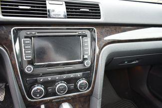 2014 Volkswagen Passat TDI SEL Premium Naugatuck, Connecticut 17