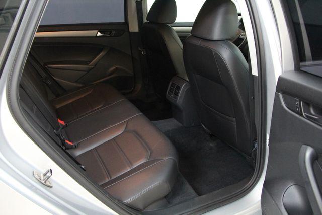 2014 Volkswagen Passat TDI SE w/Sunroof & Nav Richmond, Virginia 27