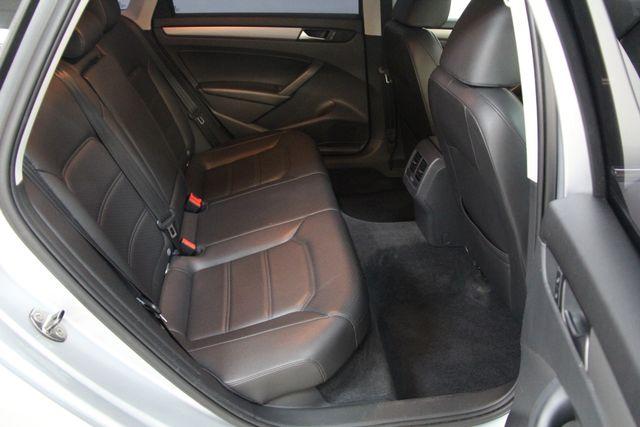 2014 Volkswagen Passat TDI SE w/Sunroof & Nav Richmond, Virginia 28