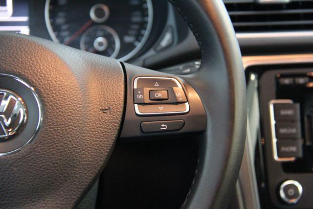 2014 Volkswagen Passat TDI SE w/Sunroof & Nav Richmond, Virginia 9