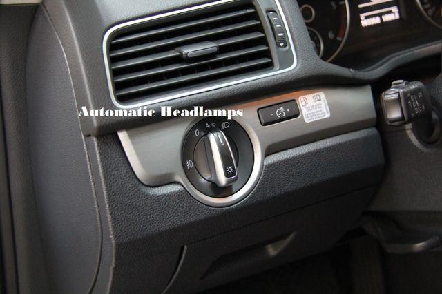 2014 Volkswagen Passat TDI SE w/Sunroof & Nav Richmond, Virginia 12