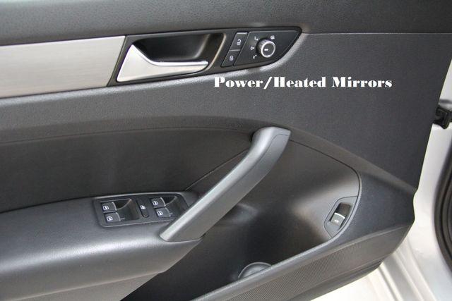 2014 Volkswagen Passat TDI SE w/Sunroof & Nav Richmond, Virginia 17