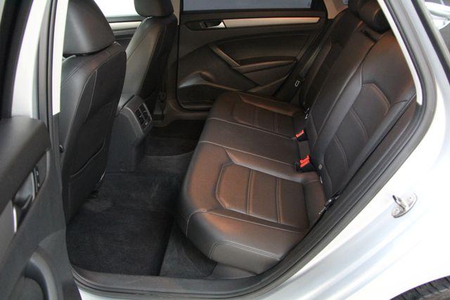 2014 Volkswagen Passat TDI SE w/Sunroof & Nav Richmond, Virginia 25