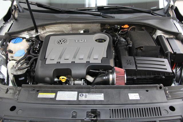 2014 Volkswagen Passat TDI SE w/Sunroof & Nav Richmond, Virginia 33