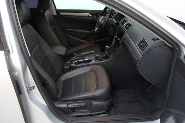 2014 Volkswagen Passat TDI SE w/Sunroof & Nav Richmond, Virginia 21