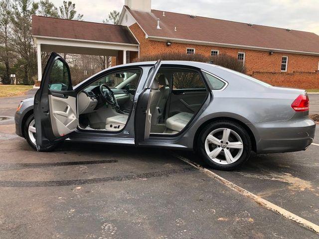 2014 Volkswagen Passat SE in Sterling, VA 20166