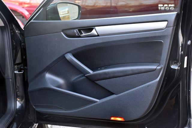 2014 Volkswagen Passat SE w/Sunroof & Nav Waterbury, Connecticut 22