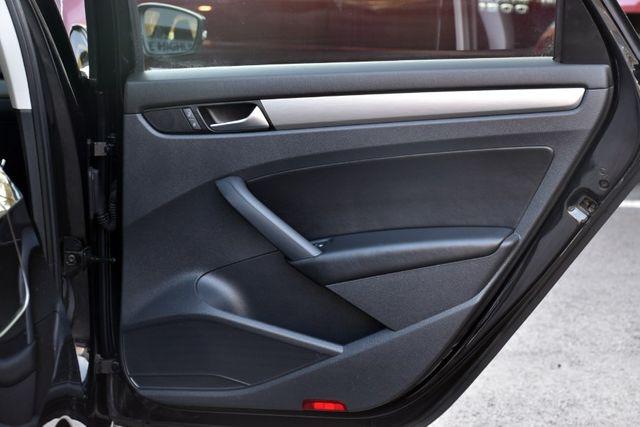 2014 Volkswagen Passat SE w/Sunroof & Nav Waterbury, Connecticut 23
