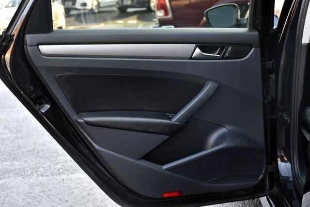 2014 Volkswagen Passat SE w/Sunroof & Nav Waterbury, Connecticut 24