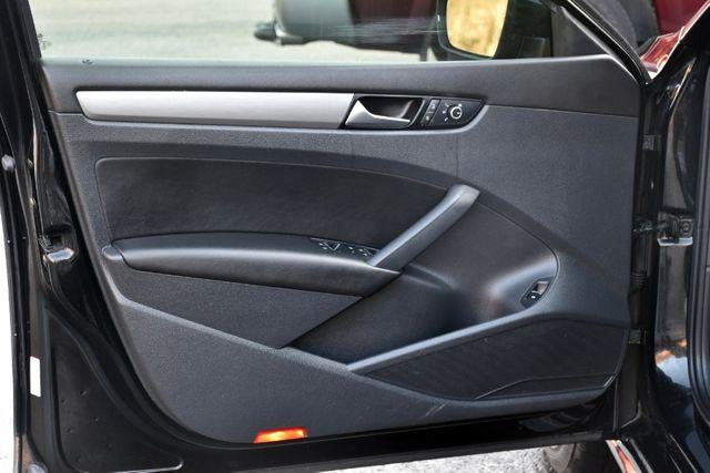 2014 Volkswagen Passat SE w/Sunroof & Nav Waterbury, Connecticut 25