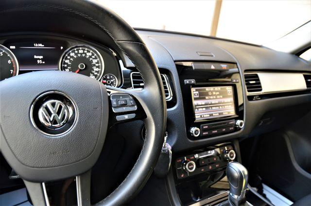 2014 Volkswagen Touareg Sport Reseda, CA 28