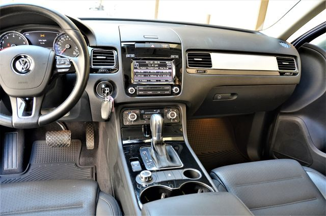 2014 Volkswagen Touareg Sport Reseda, CA 32