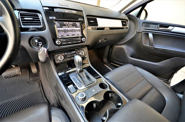 2014 Volkswagen Touareg Sport Reseda, CA 9