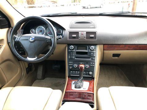 2014 Volvo XC90 AWD Platinum | Ashland, OR | Ashland Motor Company in Ashland, OR
