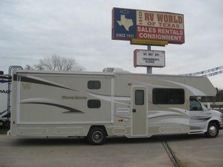 2014 Winnebago MINNIE WINNIE WF331H in Katy, TX 77494