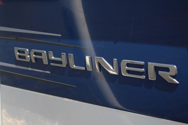 2015 Bayliner 215 Deck Boat Mooresville , NC 30