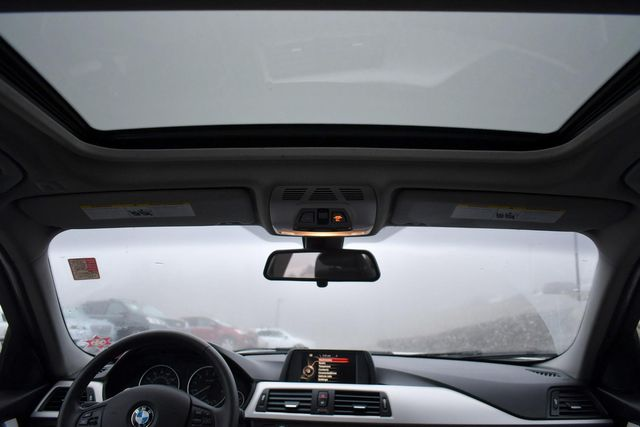 2015 BMW 320i xDrive Naugatuck, Connecticut 18
