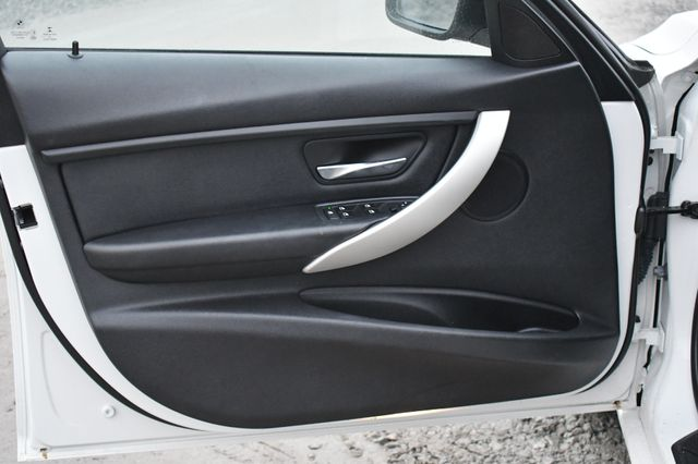 2015 BMW 320i xDrive Naugatuck, Connecticut 19