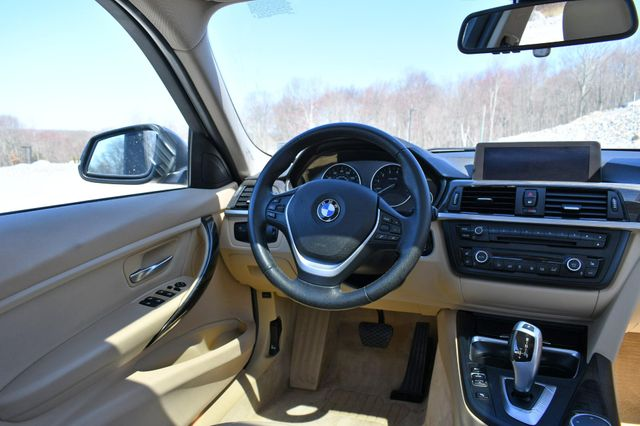 2015 BMW 328i xDrive Naugatuck, Connecticut 17