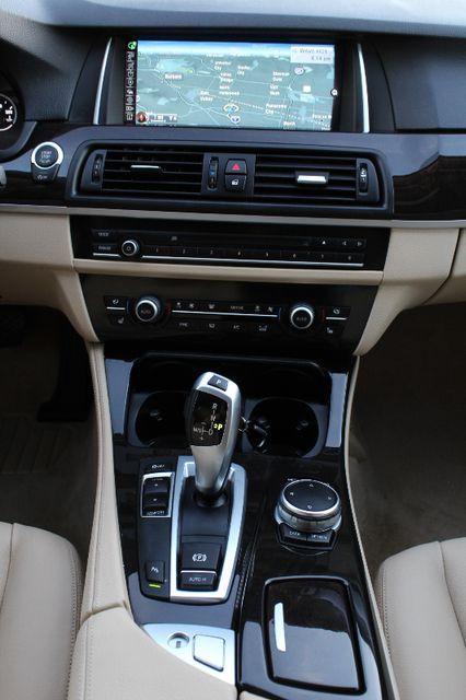 2015 BMW 528i M SPORTS PKG NAVIGATION 1-OWNER HEAD-UP DISPLAY SERVICE RECORDS in Woodland Hills CA, 91367