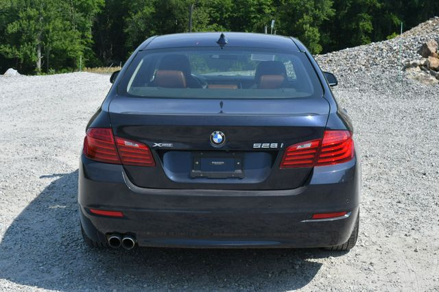 2015 BMW 528i xDrive Naugatuck, Connecticut 5