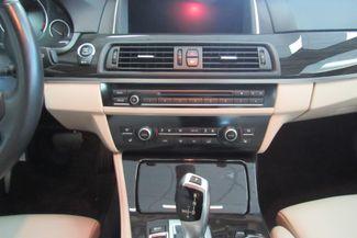 2015 BMW 528i xDrive W/ NAVIGATION SYSTEM/ BACK UP CAM Chicago, Illinois 31