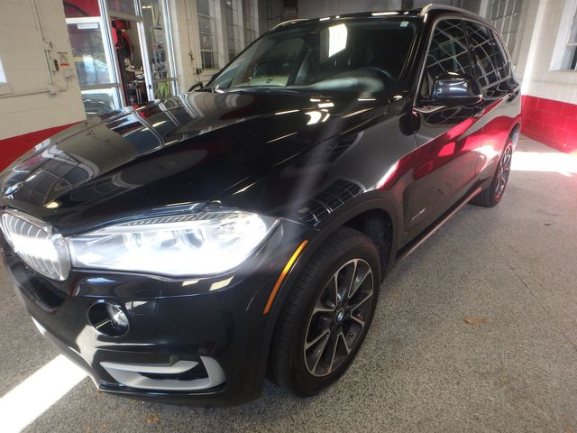 2015 Bmw X5 3rd Row, Large ROOF, HEATED STEERING, HEADS UP DISPLAY, Saint Louis Park, MN 9