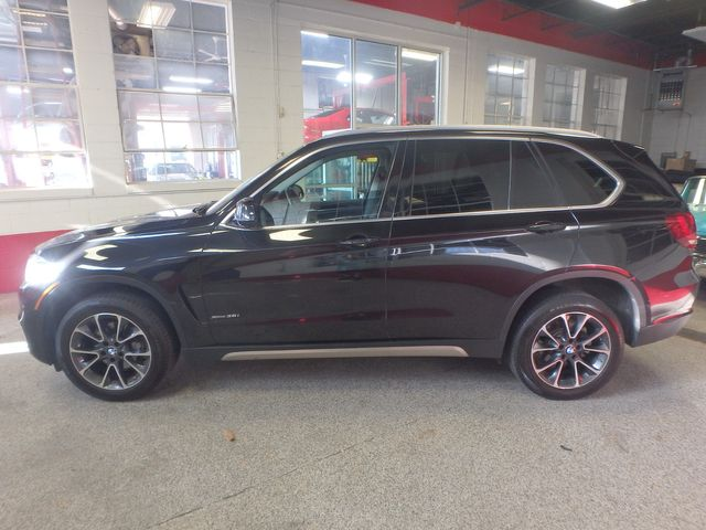 2015 Bmw X5 3rd Row, Large ROOF, HEATED STEERING, HEADS UP DISPLAY, Saint Louis Park, MN 10