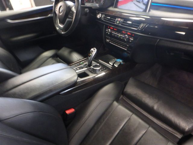 2015 Bmw X5 X-Drive, Very TIGHT AND BEAUTIFULLY CLEAN!~ Saint Louis Park, MN 31