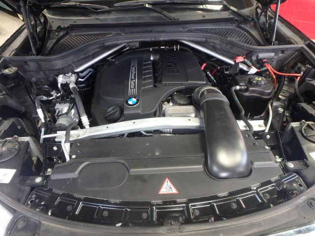 2015 Bmw X5 X-Drive, Very TIGHT AND BEAUTIFULLY CLEAN!~ Saint Louis Park, MN 44