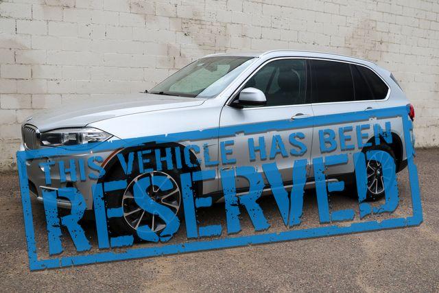 2015 BMW X5 xDrive35i AWD Luxury SUV w/3rd Row Seats, Nav, Backup Cam, Panoramic Roof & Bluetooth Audio