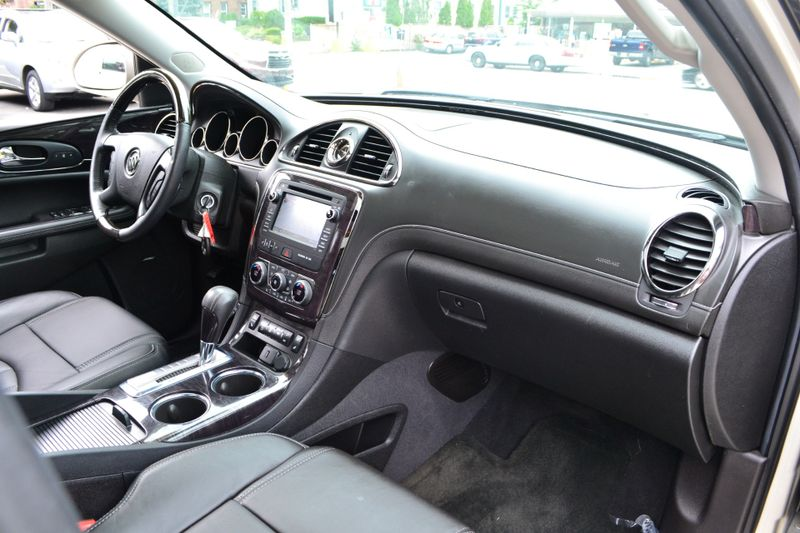 2015 Buick Enclave Leather  city New  Father  Son Auto Corp   in Lynbrook, New