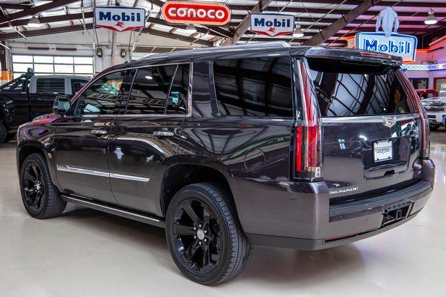 2015 Cadillac Escalade Platinum AWD in Addison, Texas 75001