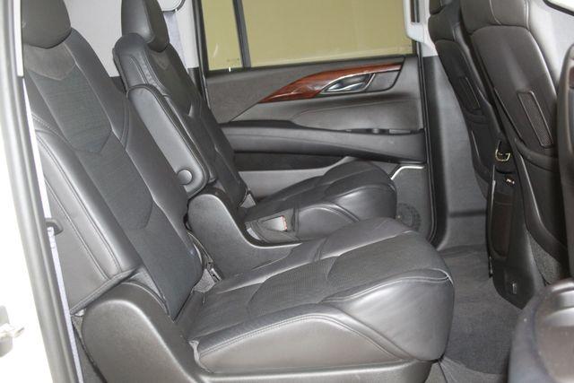 2015 Cadillac Escalade ESV Luxury Houston, Texas 32